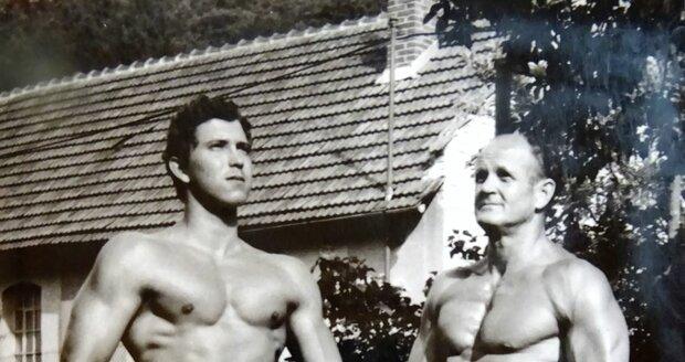 Josef Krupa na archivní fotce se synem Michalem.