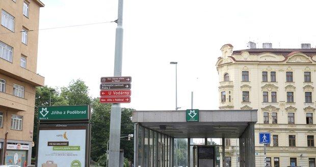 Stanice metra Jiřího z Poděbrad.