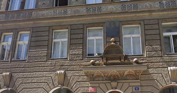 V tomto domě na Malé Straně si Vondráčková pořídila nebytový prostor