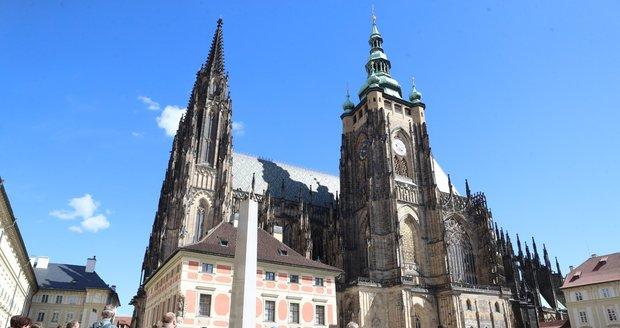 Pražský hrad otevírá do konce léta své jižní zahrady pro veřejnost.