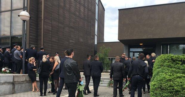 Poslední rozloučení s ostravským policistou Pavolem K. (†31), kterého v Praze zabila zfetovaná a opilá řidička Jitka R.