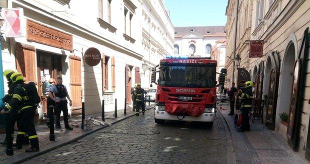 30. července 2020: V Josefské ulici v centru Prahy hořela restaurace. Při požáru se zranil 40letý muž.