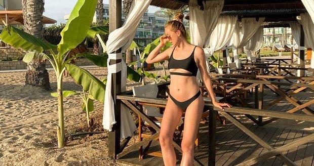 Anna Kadeřávková na dovolené na Kypru