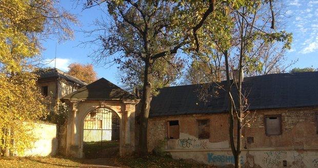 Usedlost Cibulka už řadu let chátrá, Praha 5 jí chce koupit a uvažuje, co s ní.