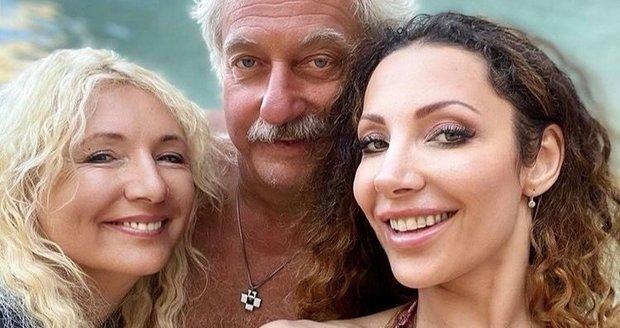 Olga Lounová se svými rodiči na dovolené