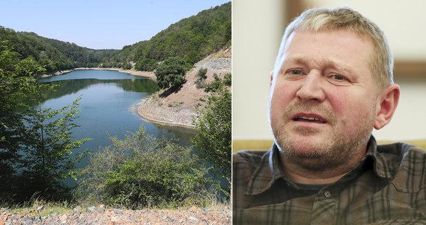 Žalobce zrušil obvinění Mynářova muže za zakázky v Lánské oboře. Policie mluví o milionové škodě