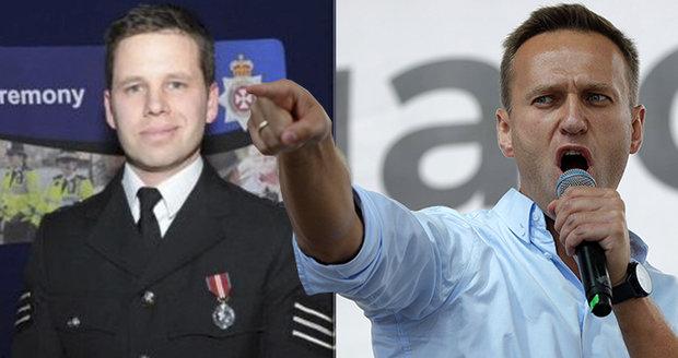 """Navalný byl novičokem """"zamořen"""": Jed na kůži, v krvi, moči a lahvi. A záhadný vzkaz"""