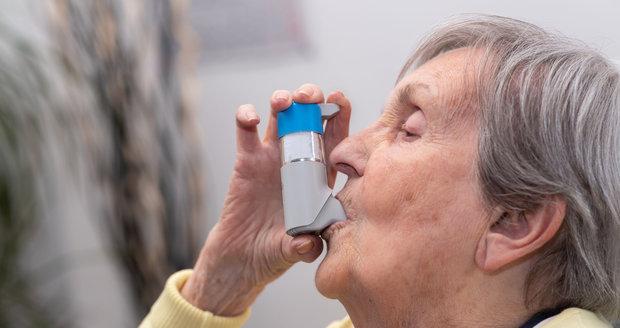Správné užívání kortikoidů uleví lidem s astmatem.
