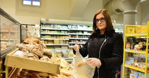 Ceny pečiva jsou podle pekařů dlouhodobě nízké, zákazníci si to ale myslet nemusí.