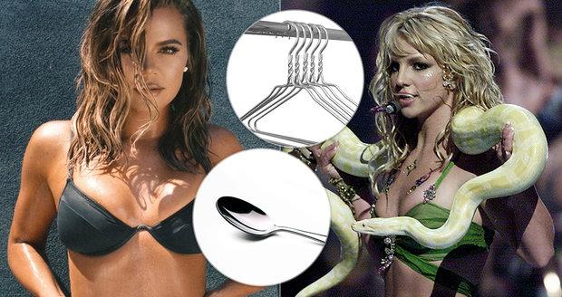 Bizarní fobie hvězd: Kardashianka i Britney se bojí lžiček, ramínek či pupíků!