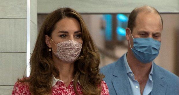 Kate Middletonová a princ William navštívili pekárnu na Brick Lane a vyzkoušeli si práci pekaře.