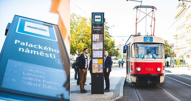 Nová podoba pražských zastávek: Na Palackého náměstí testují označník s elektronickou tabulí