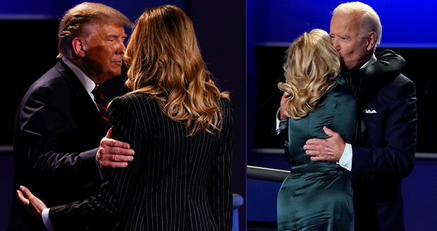 """""""Chladná"""" Melania stiskla Trumpovi loket, Bidenová nabídla objetí, všimli si komentátoři"""