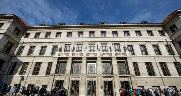 Budova Ústřední městské knihovny Praha na Mariánském náměstí