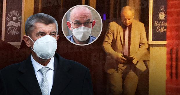 Koronavirus ONLINE: 12 977 případů v ČR i o svátku. A Prymula po průšvihu i metálu předá úřad