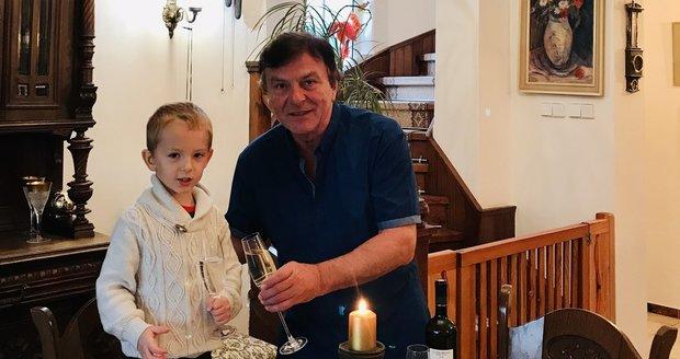 Pavel Trávníček se synem Maxíkem