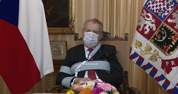 Koronavirus ONLINE: Zemanův projev živě, 6624 lidí v nemocnicích a Klaus porušil opatření