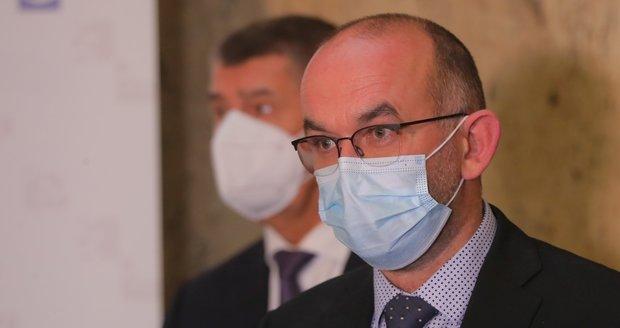 Nový ministr Blatný je proti zpřísňování opatření, chce sdílet data a Zeman mu dal radu