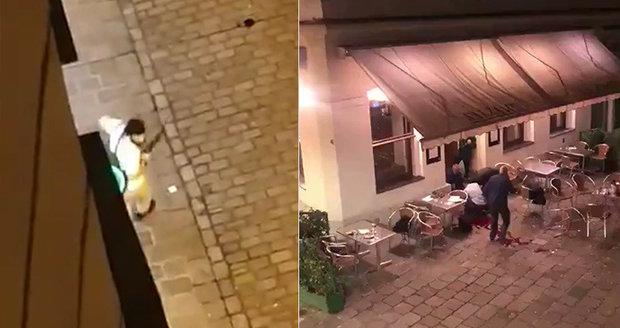Teror v centru Vídně: Mezi oběťmi je servírka, mladého teroristu zastřelili, další zatkli nedaleko českých hranic