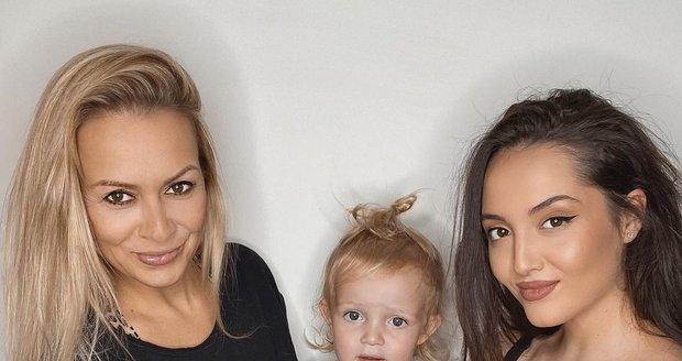 Martina Gavriely se synem Leem a těhotnou dcerou Jessicou