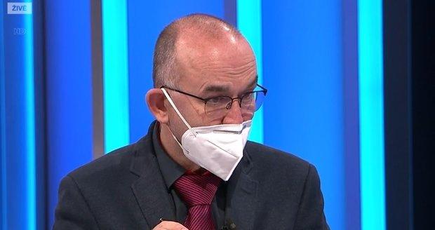 Koronavirus ONLINE: 7095 úmrtí v ČR. A Blatný promluvil o Vánocích a nakupování