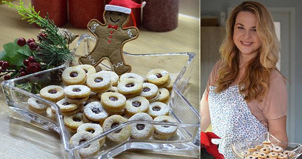 Z kuchyní se už začíná linout kouzelná vůně blížících se Vánoc.
