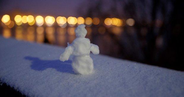Začátek prosince přinesl sníh i do Prahy (10. 12. 2020).