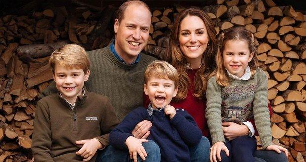 Vánoční portrét Kate, Williama a jejich tří dětí