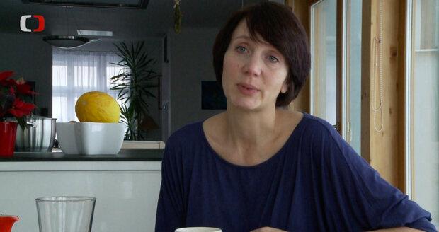 Helena Třeštíková natočila časosběrný dokument o Ester Janečkové.