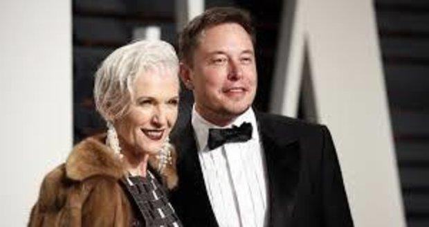 Maye Musk se synem Elonem
