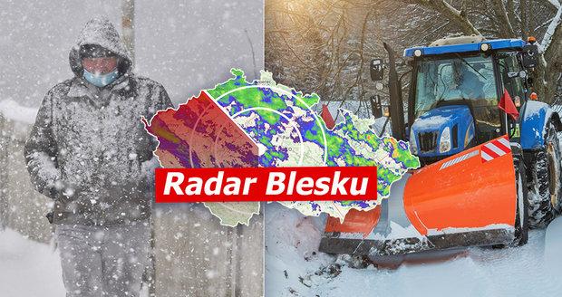 Sněhu v Česku je víc než v posledních letech. Padat bude dál, sledujte radar Blesku