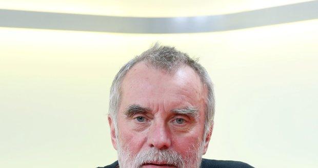 Hostem pořadu Blesk Podcast byl režisér Jaroslav Brabec. Promluvil o svém posledním seriálu - Zločiny Velké Prahy.