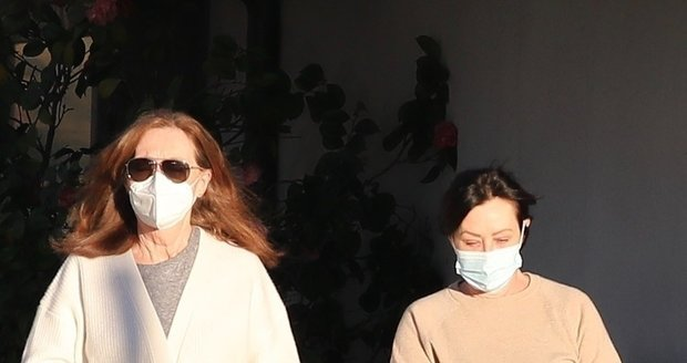 Shannen Doherty s maminkou na nákupech