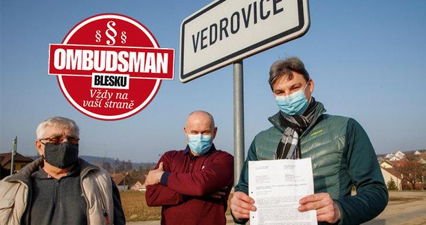 Členové spolku  »Za lepší Vedrovice«  Blesku ukázali  dokument  z ministerstva ministerstva životního prostředí.
