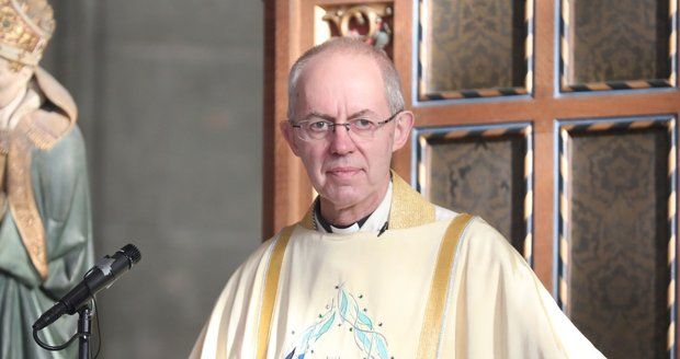 Arcibiskup z Canterbury Justin Welby, který měl oddat Sussexy.