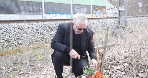 Josefa Rychtáře čekalo u Ivetina pomníčku překvapení, někdo ho vyměnil