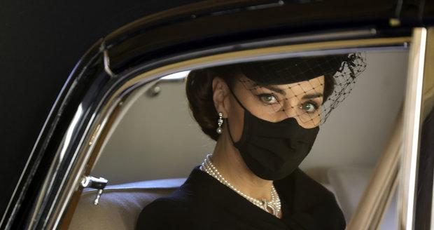 Vévodkyně Kate na pohřbu prince Philipa