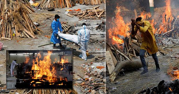 Una imagen de absoluta devastación: los cuerpos de las víctimas del coronavirus se están quemando en las calles de la India, los hospitales se han quedado sin camas y sin oxígeno