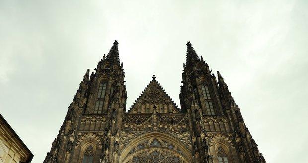 Pražský hrad přivítal po půl roce uzavření 3. května 2021 první turisty.