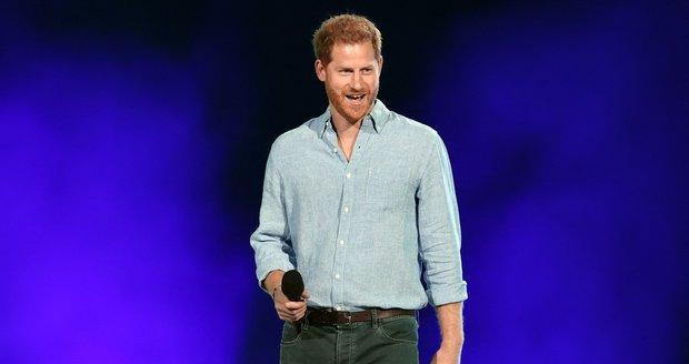Princ Harry na charitativním koncertu na podporu očkování proti covid-19