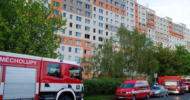 Požár v Hostivaři, 16. května 2021.