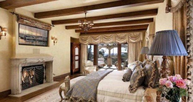 Dům prince Harryho a Meghan se 16 pokoji, bazénem, kurty a jezírkem