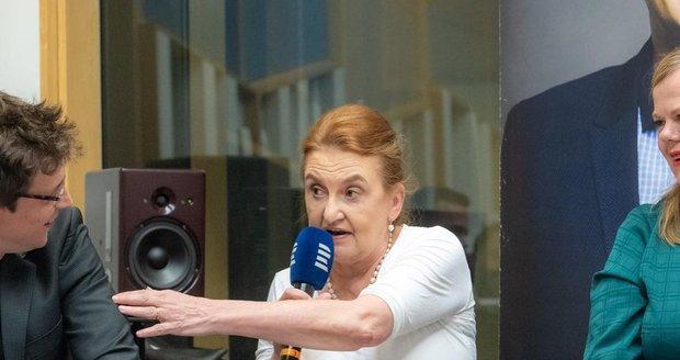 Eva Holubová se účastnila natáčení Tobogánu u Aleše Cibulky společně s Ivou Janžurovou