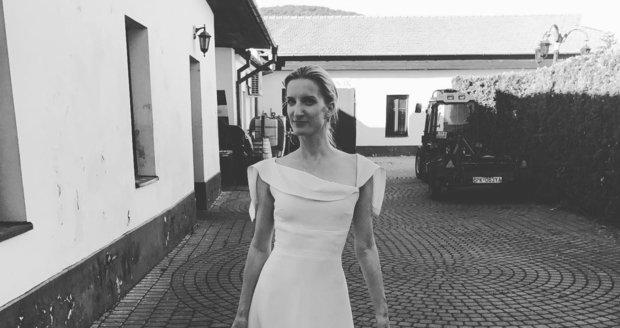 Fotky z přísně utajené veselky Adely a Viktora Vinczeových