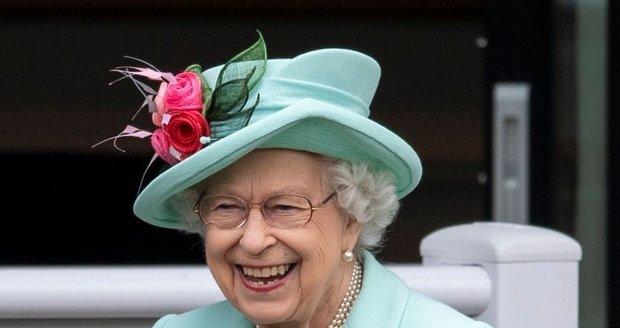 Královna Alžběta v Ascotu
