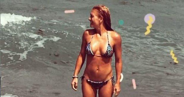 Olga Menzelová u moře