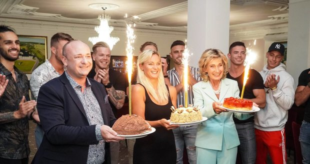 Jiří Krampol celebrated his 83rd birthday: He received three cakes