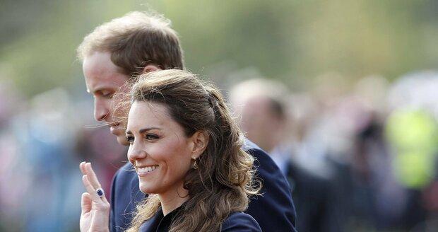Kate si musela dát zmenšit zásnubní prsten v hodnotě asi 7 milionů korun. Před svatbou se dala na rapidní dietu, takže hrozilo, že jí klenot sklouzne z prstu