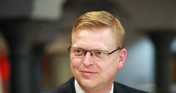 https://img.blesk.cz/img/1/normal690/3459150_belobradek-kdu-csl-predseda-v2.jpg?v=2