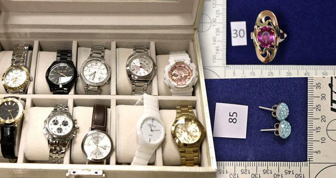 7d01fa343 Zlodějky nakradly hodinky a šperky za statisíce: Nejsou vaše? | Blesk.cz